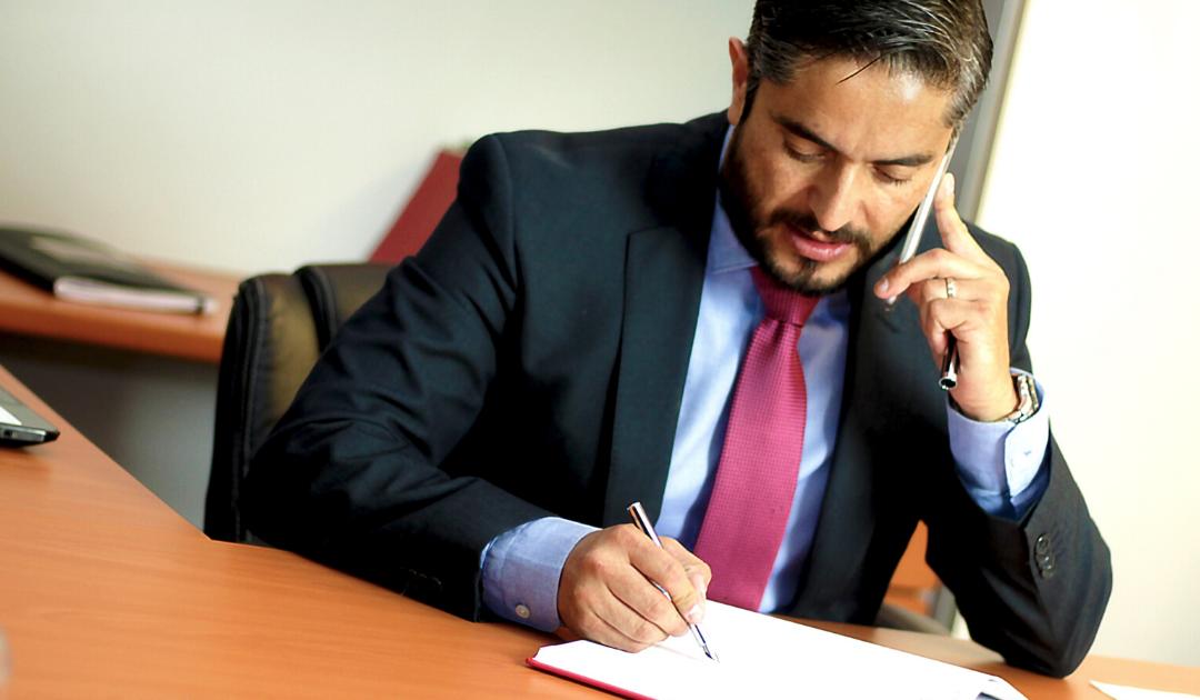 Как адвокатите да представят дейността си онлайн в съответствие със закона ?